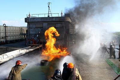 角タンク消火